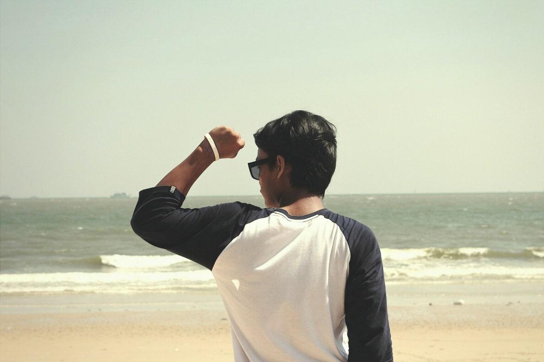 фото мужской спины без прыщей