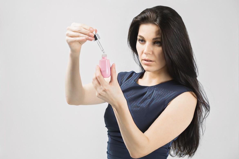 фото девушки при ароматерапии акне