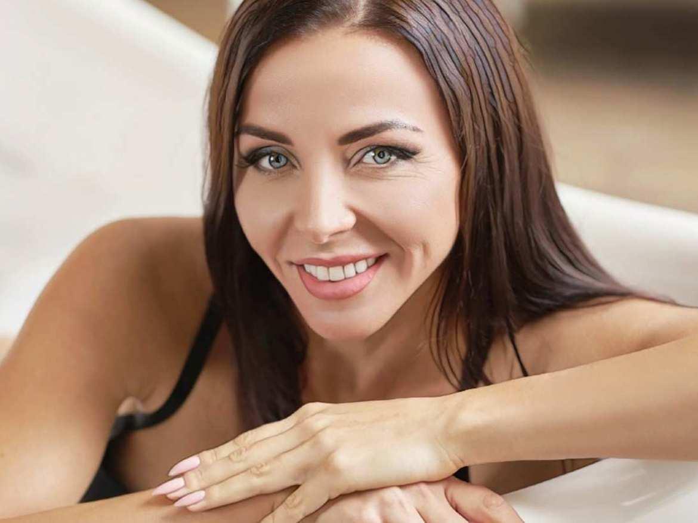 фото девушки после лечения прыщей мезороллером