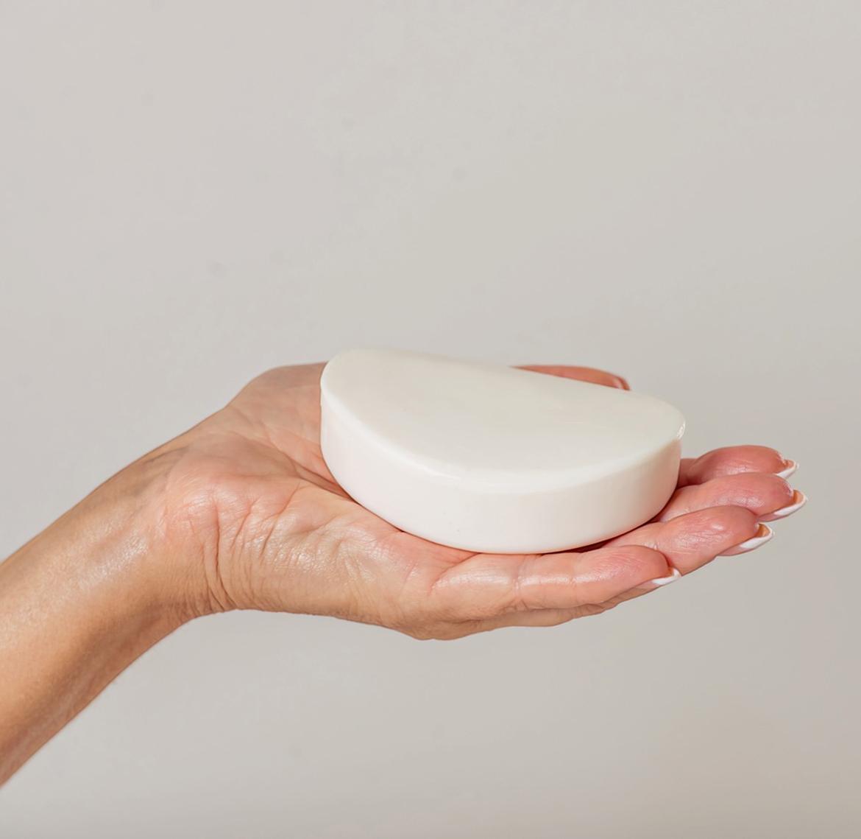 мыло в руках